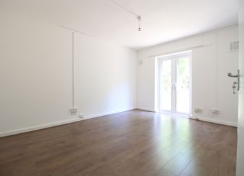 Thumbnail 1 bed flat to rent in Rosebery Avenue, Crouch End
