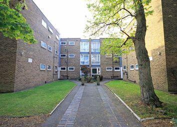 Thumbnail 2 bed flat to rent in Sutherland Road, London