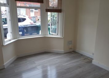 2 bed maisonette to rent in Grange Aveune, North Finchley N12