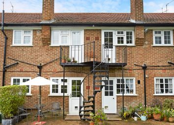 Thumbnail 2 bed flat to rent in Portsmouth Road, Thames Ditton