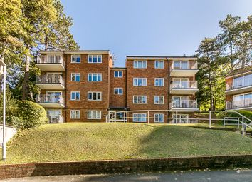 Court Bushes Road, Whyteleafe CR3. 2 bed flat