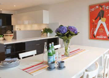 Thumbnail 2 bedroom flat for sale in Keppel Row, London