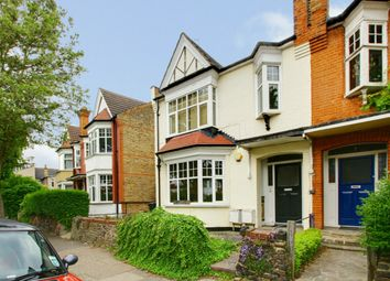 Thumbnail 2 bed flat to rent in Kingsley Road, Palmers Green