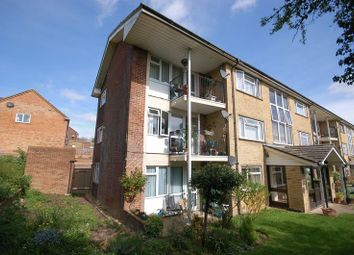Thumbnail 2 bedroom flat to rent in Pinchfield, Maple Cross