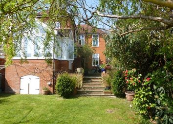 Thumbnail 4 bed detached house to rent in High Park Road, Farnham