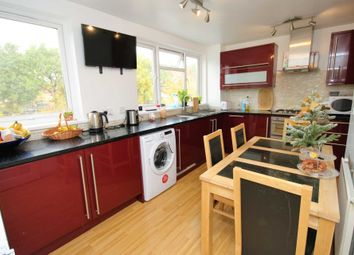 Thumbnail 2 bedroom flat for sale in Longcroft Rise, Loughton