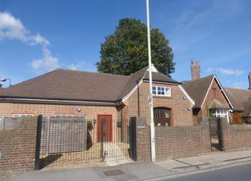 Thumbnail 2 bed flat to rent in St. Peters Road, St.Albans