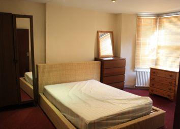 Thumbnail 4 bed maisonette to rent in Landor Rd, Clapham