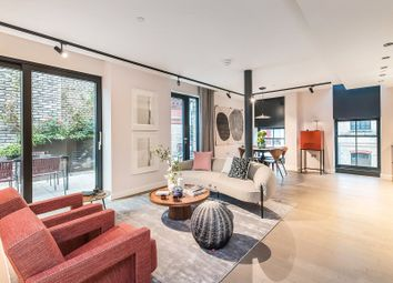 Thumbnail 2 bed flat for sale in Chapter House, Covent Garden