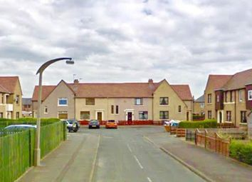 Thumbnail 2 bed flat to rent in Beech Place, Grangemouth