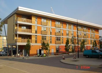 Thumbnail 2 bed flat to rent in Wippendell Road, Watford