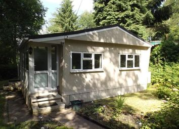 Thumbnail 2 bed mobile/park home for sale in Blackbird Hill, Turners Hill Park, Turners Hill, West Sussex