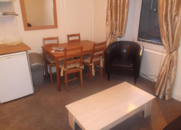 Thumbnail 2 bed flat to rent in Rosefield Street Dundee, Dundee