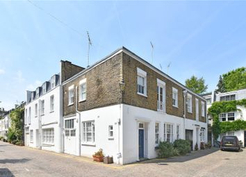 Thumbnail 3 bed mews house to rent in Queens Gate Mews, South Kensington, London