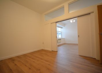 Thumbnail 1 bedroom flat to rent in Millbrook Road East, Southampton, Hampshire