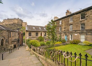 Thumbnail 2 bed flat for sale in 4/6 Brown's Place, Edinburgh