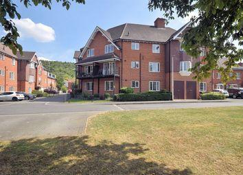 Wroughton Road, Wendover, Buckinghamshire HP22. 2 bed flat