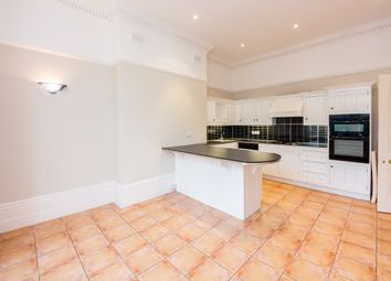Thumbnail 4 bed flat to rent in Hampstead Lane, Highgate