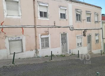 Thumbnail Block of flats for sale in Estrela, Estrela, Lisboa