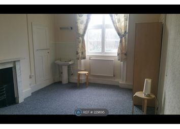Thumbnail Room to rent in Wallage Lane, Crawley