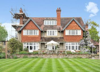 Thumbnail 6 bed detached house to rent in Bluehouse Lane, Oxted