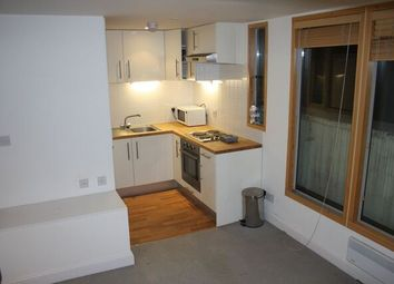 Thumbnail 2 bed flat to rent in Old Street, Fitzrovia