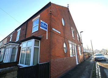 Thumbnail 1 bed flat to rent in Henry Street, Scunthorpe