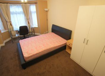 Thumbnail 1 bedroom flat to rent in Royal Park Terrace, Hyde Park, Leeds