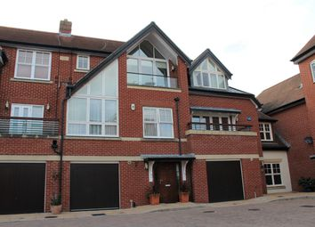 High Street, Hamble, Southampton SO31. 3 bed mews house for sale