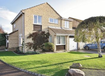 Thumbnail 4 bed detached house for sale in Pensclose, Witney