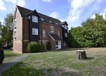 Thumbnail 2 bed flat for sale in Harbury Court, Newbury, Berkshire