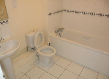 Thumbnail 3 bed flat for sale in Kings Oak Court, Reading