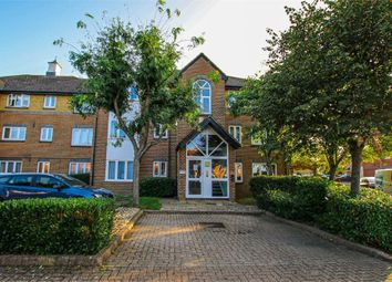 Thumbnail Flat to rent in 33 Cotswold Way, Worcester Park, Surrey