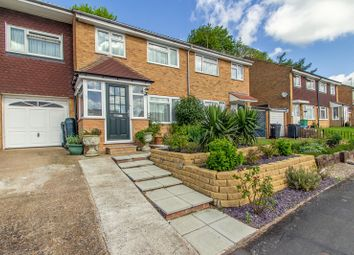 Thumbnail 4 bed property for sale in Bullfinch Road, Selsdon, South Croydon
