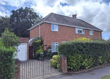 Court Road, Lee-On-The-Solent, Hampshire PO13. 3 bed semi-detached house