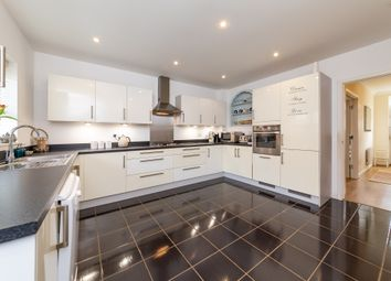 Thumbnail 4 bed terraced house for sale in Lindsell Avenue, Letchworth Garden City