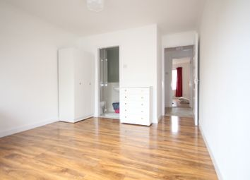 Thumbnail Studio to rent in Hanley Road, Finsbury Park