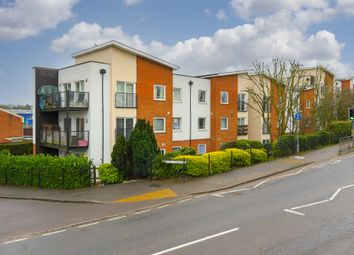 Thumbnail 1 bed flat to rent in Buffers Lane, Leatherhead
