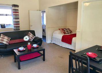 Thumbnail Studio to rent in Cumberland Court, Headingley, Leeds
