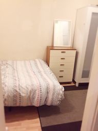 Thumbnail 3 bed shared accommodation to rent in Valnay Street, London