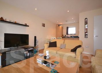 Thumbnail 2 bedroom flat to rent in Whale Avenue, Reading