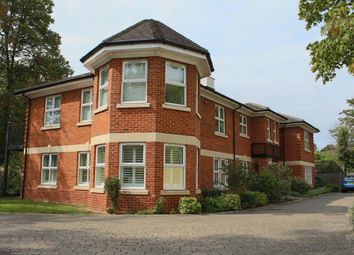 Thumbnail 3 bed flat to rent in Lower Cookham Road, Maidenhead