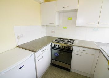 Thumbnail 1 bedroom flat to rent in Kimber Road, Earlsfield