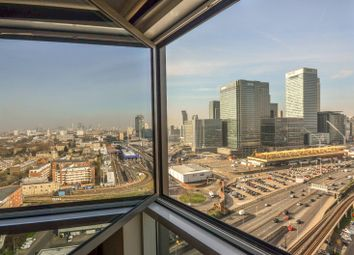 Thumbnail 1 bed flat to rent in Wharfside Point, Docklands