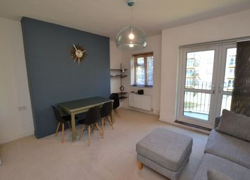 2 bed flat to rent in Lambeth Road, London SE11