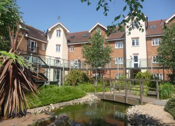 Thumbnail 1 bed flat to rent in Lumley Road, Horley