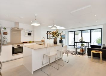 Thumbnail 2 bed flat to rent in Ifield Road, West Chelsea