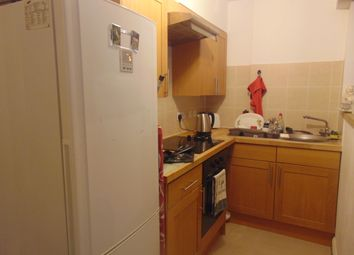 Thumbnail 2 bed flat to rent in Onslow Road, Southampton