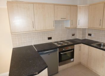 Thumbnail 1 bed flat to rent in Brook Road South, Brentford