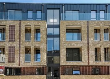 Thumbnail 3 bed flat to rent in Herne Hill Road, London